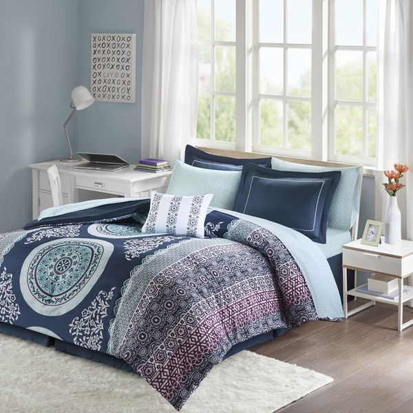 Intelligent Design Eleni Navy Reversible 9 Piece Bed In A Bag Set