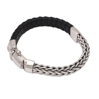 Handmade Leather Sterling Silver 'Bali Valor' Bracelet (Indonesia)