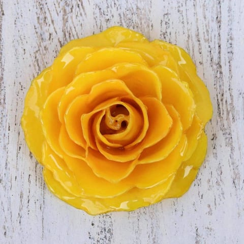 Handmade Natural Rose 'Rosy Mood in Yellow' Brooch (Thailand)
