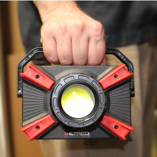 EZ RED XLF1000- 1,000 Lumen Portable Micro-USB Rechargeable Focusing Work Light with Magnetic Accessory