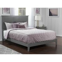Nantucket Queen Traditional Bed in Atlantic Grey
