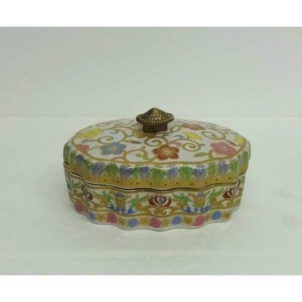 Candyvine Scallop Oval Porcelain Cover Box