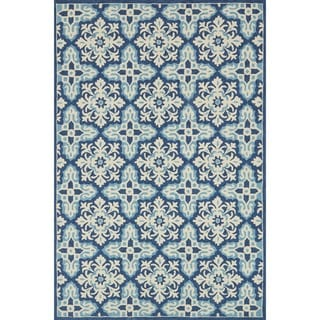 """Indoor/ Outdoor Hand-hooked Blue Floral Mosaic Rug (2'3 x 3'9) by Alexander Home - 2'3"""" x 3'9"""""""