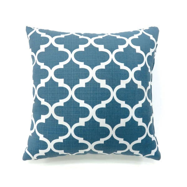 Shop Furniture of America Kion Contemporary Quatrefoil Throw ...