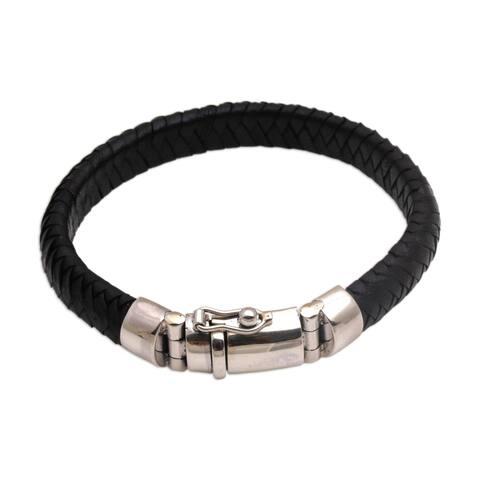 Handmade Sterling Silver Leather 'Shrine Weave in Black' Bracelet (Indonesia)