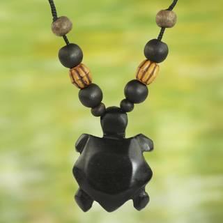 Handmade Sese Wood Bamboo 'Longevity Tortoise' Necklace (Ghana)