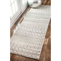 "The Curated Nomad Ashbury Ivory/ Grey Geometric Moroccan Runner Area Rug - 2'8"" x 20' runner"