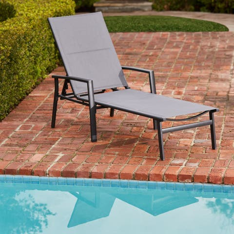 Hanover Halsted Padded Chaise