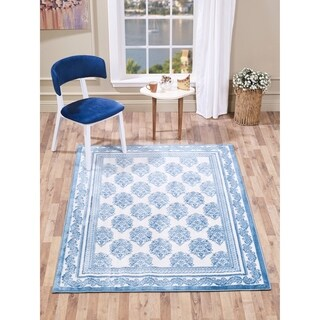 VCNY Home Chandelier Area Rug