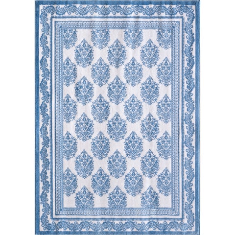 VCNY Home Chadelier Area Rug