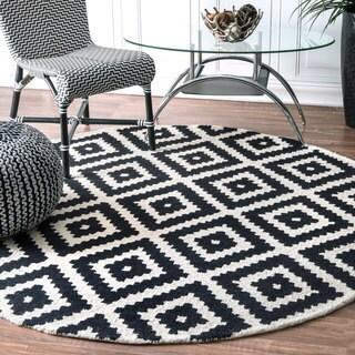 nuLOOM Handmade Abstract Wool Fancy Pixel Trellis Black Round Rug (4' Round)
