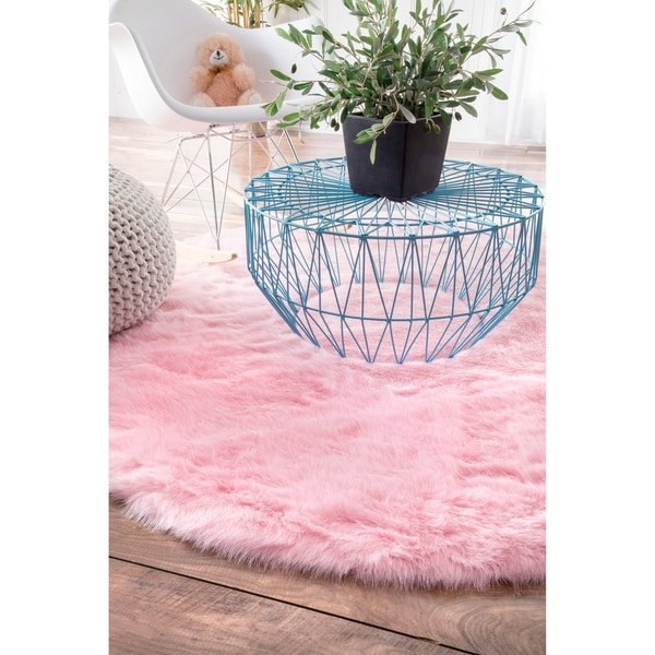 Silver Orchid Russell Cozy Soft and Plush Faux Sheepskin Shag Pink Rug (5' Round) - 5'