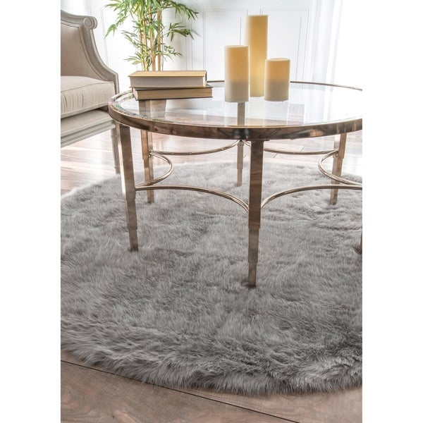 Silver Orchid Russell Cozy Soft and Plush Faux Sheepskin Shag Grey Rug - 5' Round