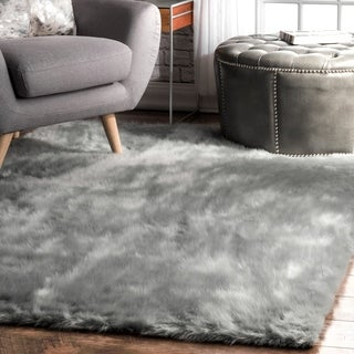 Silver Orchid Russell Cozy Soft and Plush Faux Sheepskin Solid Shag Grey Rug (5' Square) - 5'