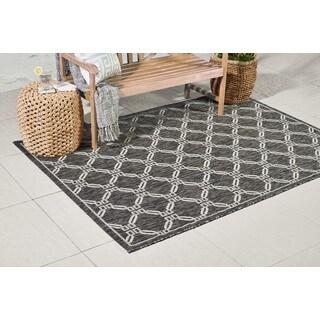 Charcoal Geometric Lattice Durable Indoor/Outdoor Area Rug - 7'10 x 10'6
