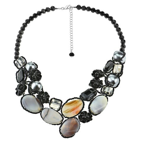 Handmade Timeless Agate Oval Bubble and Black Roses Statement Necklace (Thailand)