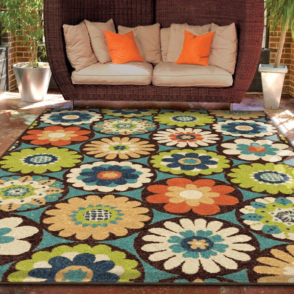 The Curated Nomad Pacheco Indoor/Outdoor Retro Floral Rug - 7'8 x 10'10