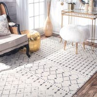 The Curated Nomad Ashbury Ivory/ Grey Geometric Moroccan Bead Area Rug - 6'7 x 9'