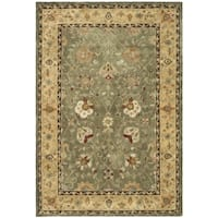 Safavieh Hand-Hooked Total Performance Traditional Sage / Beige Rug (4' x 6') - 4' x 6'