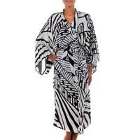 Handmade Silk 'White Night' Robe (Indonesia)