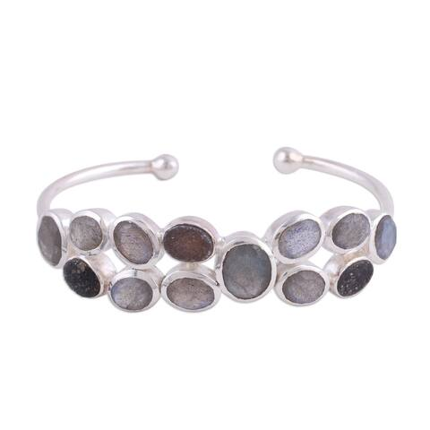 Handmade Sterling Silver 'Imperial Mystery' Labradorite Quartz Bracelet (India)