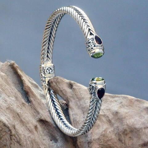 Handmade Sterling Silver 'Flower Buds' Garnet Peridot Bracelet (Indonesia)