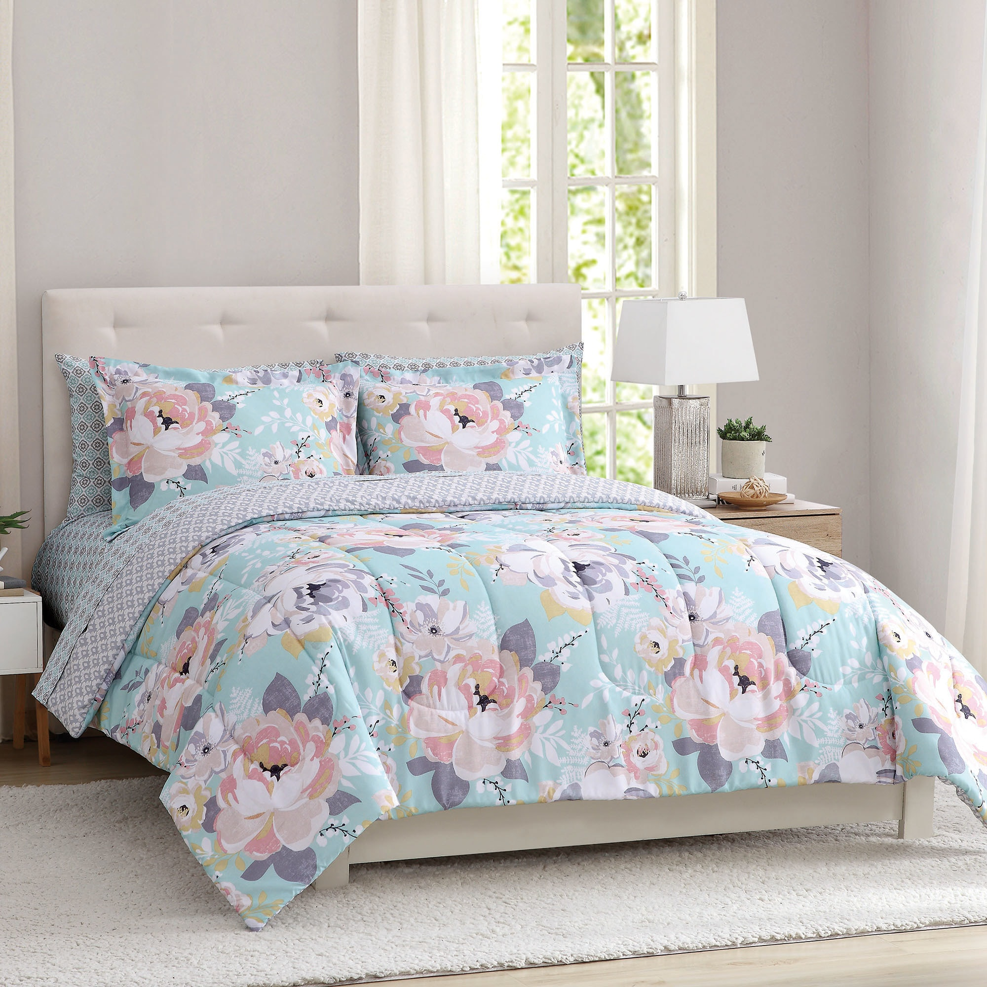 Sara Floral Microfiber Peach And Oak Multi 3 Piece Comforter Set With Comforter And Shams