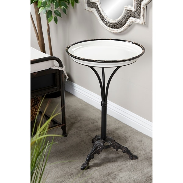Traditional 24 x 15 Inch Traditional Round Accent Table