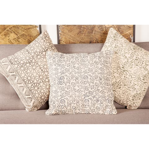 """Traditional Style Throw Pillow with Floral Pattern 18"""""""
