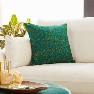Modern 17 x 17 Inch Green Pillowcase with Leaf Patterns