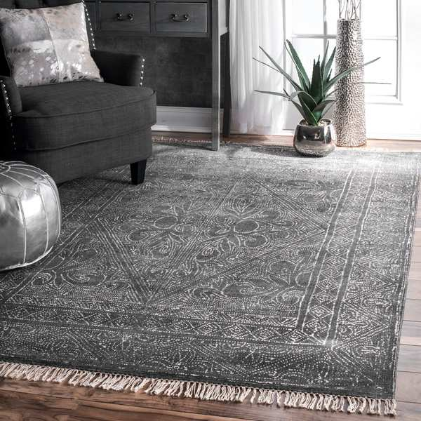 nuLOOM Traditional Flatweave Handmade Fancy Floral Diamond Tassel Dark Grey Area Rug - 4' x 6'