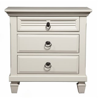 Gracewood Hollow Gregory White Pine Wood 3-drawer Nightstand