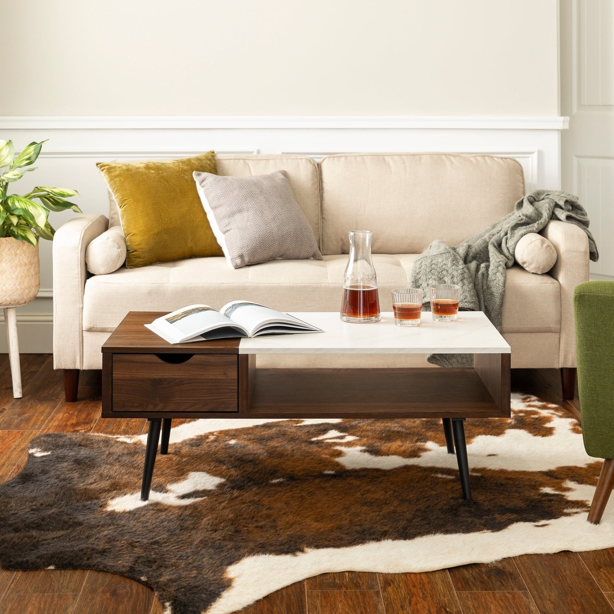 Carson Carrington Saltaro 42 Inch Mid Century Faux Marble Coffee Table X 20 16
