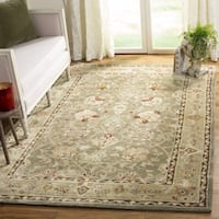 Safavieh Hand-Hooked Total Performance Traditional Sage / Beige Rug (8' x 10') - 8' x 10'