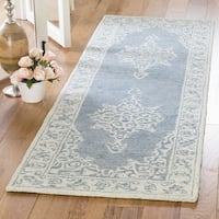 Safavieh Handmade Micro Loop Transitional Blue / Light Blue Wool Rug (2'6' x 4') - 2'6 x 4'