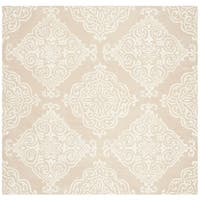 Safavieh Handmade Glamour Traditional Beige / Ivory Wool Rug - 6' x 6' Square