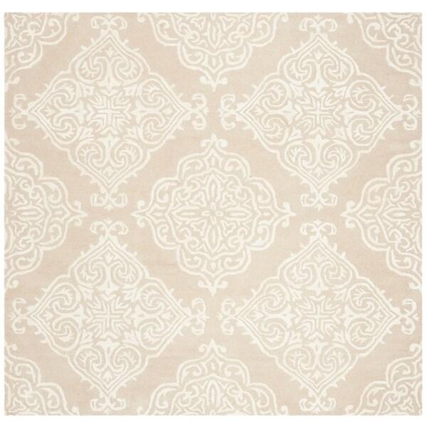 Safavieh Handmade Glamour Traditional Beige / Ivory Wool Rug - 6' x 6' Square