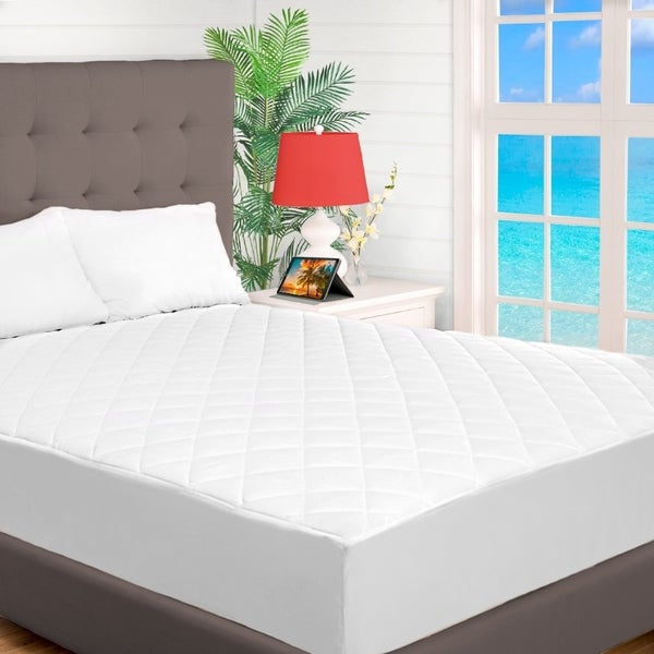 shop quilted fitted mattress pad cooling mattress topper hypoallergenic down alternative. Black Bedroom Furniture Sets. Home Design Ideas