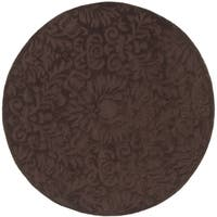 Safavieh Hand-Hooked Total Performance Traditional Chocolate Rug (8' x 8' Round) - 8' x 8' Round