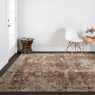 Traditional Distressed Red/ Beige Mosaic Rug - 5' x 8'