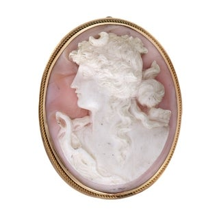 Womens Medium Vintage Yellow Gold Shell Cameo Brooch