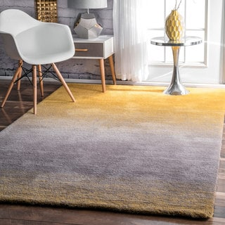 Carson Carrington Padborg Handmade Soft and Plush Ombre Shag Rug