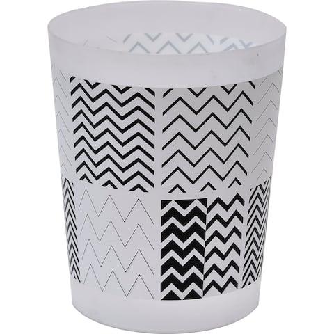 "Evideco Zigzag Printed Floor Trash Can Bin Waste Basket 4.5-Liters/1.2-Gal - Black And White - 7.68""L x 7.68""W x 9.45 inchesH"