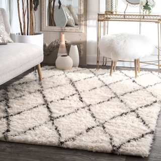nuLOOM Handmade Soft and Plush Moroccan Trellis Wool Ivory Shag Square Rug (8' x 8')