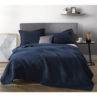 BYB Navy Supersoft Pre-Washed Quilt (Shams Not Included)