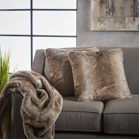 Toscana 3piece Furry Blanket and Pillow Set by Christopher Knight Home