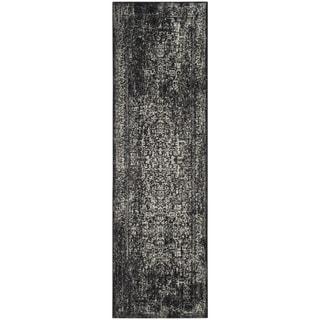 Safavieh Evoke Quinn Vintage Boho Medallion Distressed Rug (22 x 11 Runner - Black/Grey)
