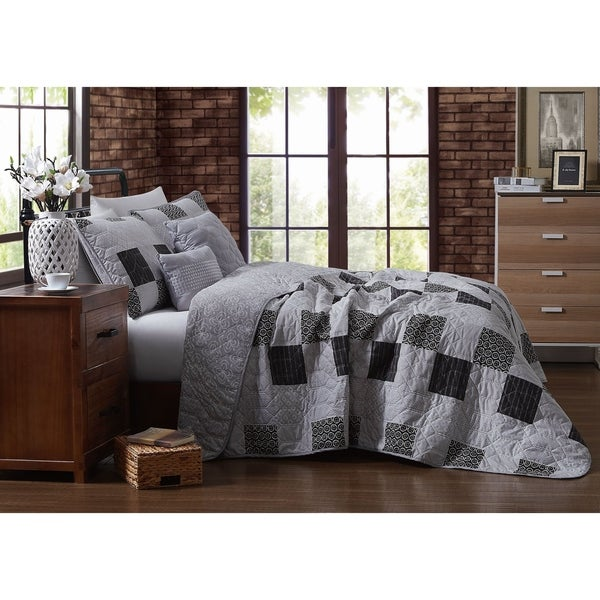 Avondale Manor Evangeline Black and White 5-piece Quilt Set