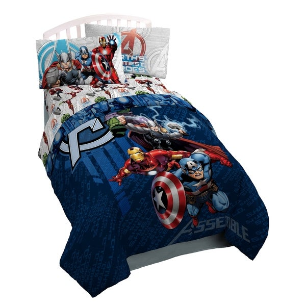 Marvel Avengers Earth's Might Reversible Oversize Twin Comforter