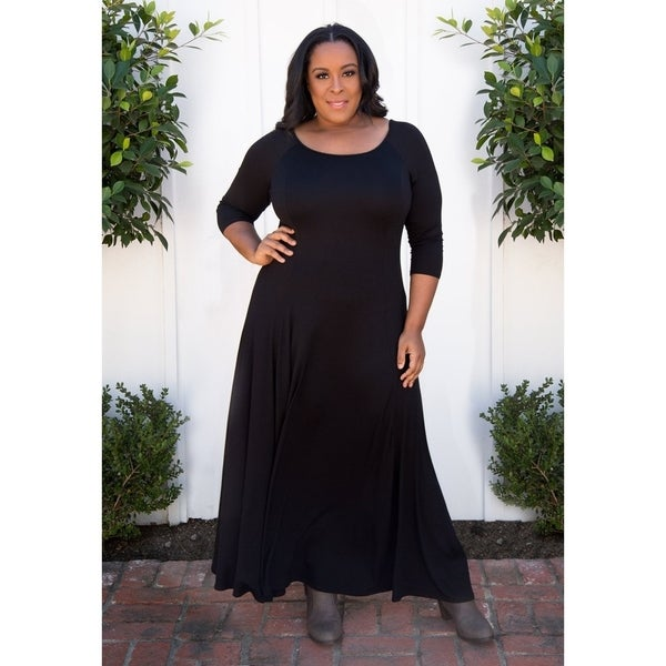 Shop Sealed with a Kiss Women\'s Plus Size Daphne Maxi Dress ...
